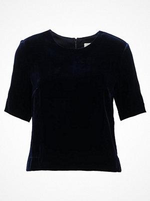 IVY & OAK BOXY  Tshirt med tryck navy blue