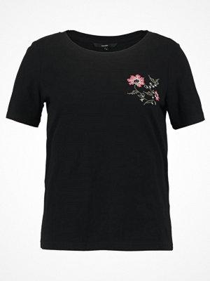 Vero Moda VMEMMY  Tshirt med tryck black