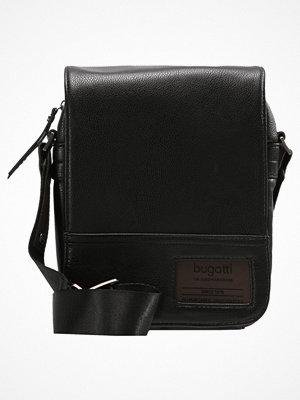 Väskor & bags - Bugatti MOTO Axelremsväska black