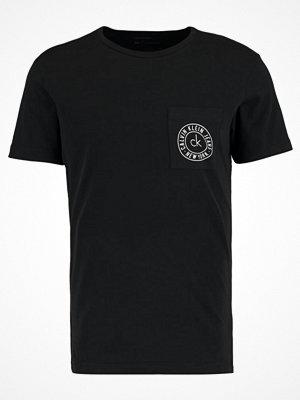 Calvin Klein Jeans TYPAIR Tshirt bas black