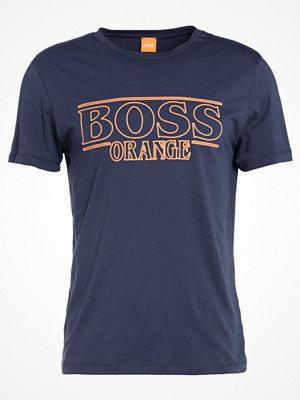 T-shirts - BOSS Orange TYPICAL Tshirt med tryck dark blue