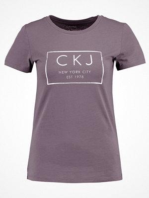 Calvin Klein Jeans TAMAR Tshirt med tryck rabbit
