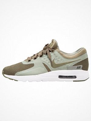 Sneakers & streetskor - Nike Sportswear AIR MAX ESSENTIAL Zero Sneakers medium olive/dark stucco/sequoia/white