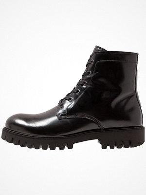 Boots & kängor - Samsøe & Samsøe QUINCY  Snörstövletter black