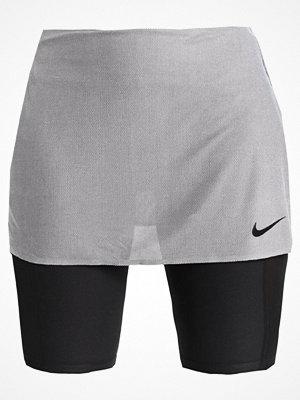 Sportkläder - Nike Performance Sportkjol silver