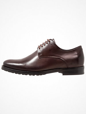 Vardagsskor & finskor - Royal Republiq NANO 5 EYE DERBY Eleganta snörskor brown