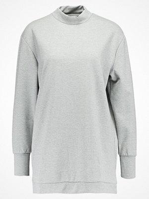 Vero Moda Jerseyklänning medium grey melange