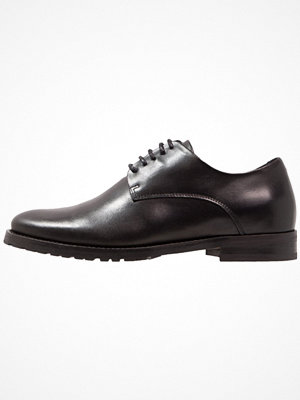 Vardagsskor & finskor - Royal Republiq NANO 5 EYE DERBY Eleganta snörskor black