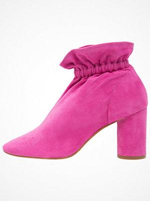 KG By Kurt Geiger RAGLAN Stövletter pink