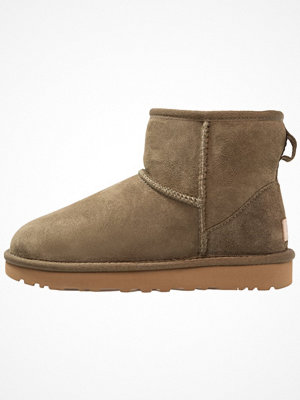 Boots & kängor - UGG CLASSIC MINI II Stövletter spruce