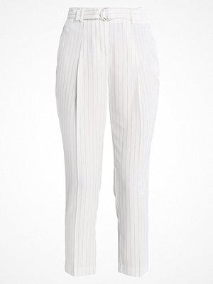 New Look PINSTRIPE Tygbyxor white vita randiga