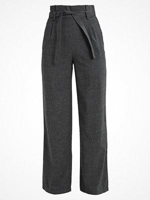 Vero Moda VMHELEN XHW PANT Tygbyxor medium grey melange mörkgrå