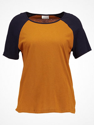 Noisy May NMGRADU RAGLAN  Tshirt med tryck cathay spice/navy blazer sleeves