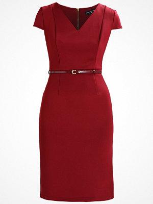 Dorothy Perkins BELTED DAY  Fodralklänning red