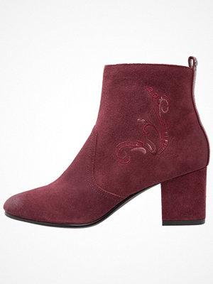 DNA Footwear BV DARA Stövletter burgundy