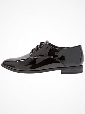 Tygskor & lågskor - Vero Moda VMBAUN SHOE Snörskor black