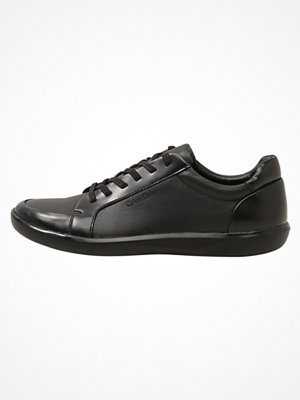 Vardagsskor & finskor - Calvin Klein MACABEE Snörskor black