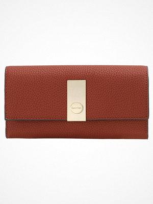 Calvin Klein CARRIE  Plånbok henna