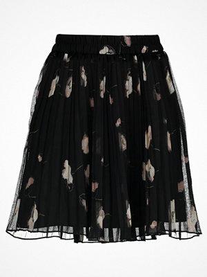 Vero Moda VMMIA PLEAT  Alinjekjol black/mia