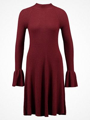 mint&berry Stickad klänning brown