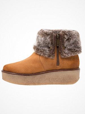 DNA Footwear BV COCO Platåstövletter camel