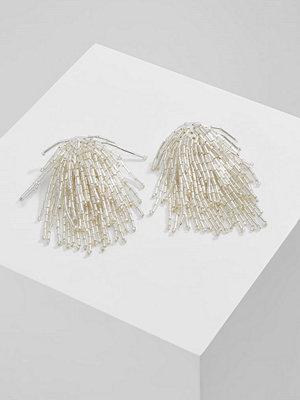 Topshop örhängen SEEDBEAD CASCADE  Örhänge silvercoloured
