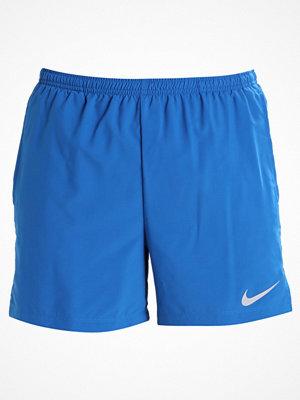 Nike Performance FLEX CHALLENGER Träningsshorts blue jay/volt