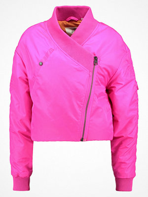 Cheap Monday DELUSION Bomberjacka neon pink