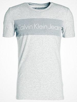 T-shirts - Calvin Klein Jeans TREAK SLIMFIT Tshirt med tryck light grey heather