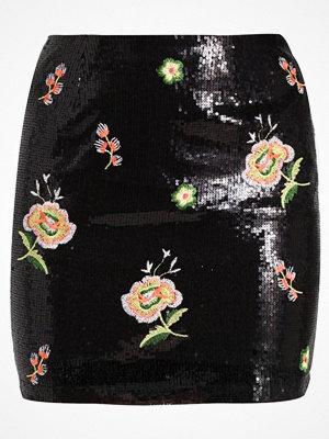 Missguided SEQUIN FLORAL EMBRIODED Minikjol black oriental print