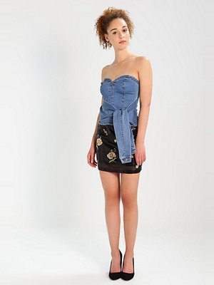 Missguided WRAP FRONT STRAPLESS DENIM  Linne stone wash