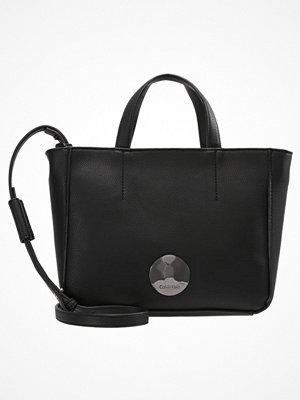 Calvin Klein OLIVIA MINI Handväska black
