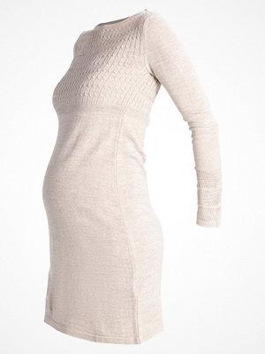 Anna Field MAMA Stickad klänning beige melange