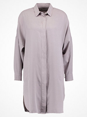 Kings Of Indigo JULIANA Skjortklänning light grey