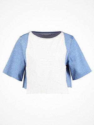Wåven RIA Tshirt med tryck allie blue