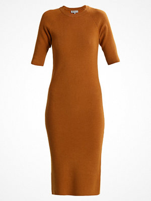 Selected Femme SFINETTA  Stickad klänning golden brown