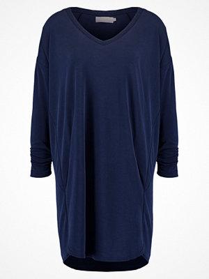 Cream SILJE Tshirt med tryck royal navy blue
