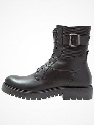 Boots & kängor - Pier One Snörstövletter nero