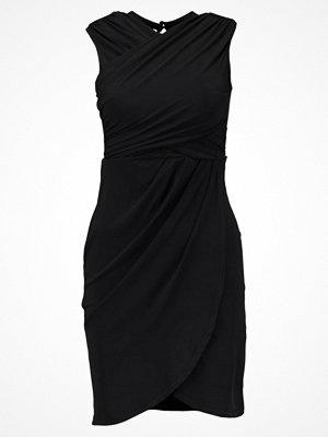 New Look GO T SLINKY/MESH WRAP BCON Jerseyklänning black