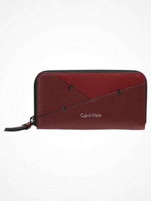 Plånböcker - Calvin Klein LUNA  Plånbok rio red