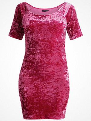 Even&Odd Jerseyklänning fuscia