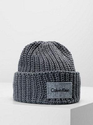 Calvin Klein INGMAR HAT Mössa steel grey