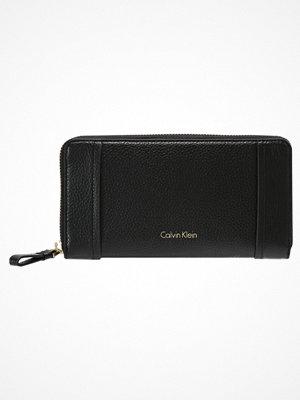 Plånböcker - Calvin Klein LIZZY  Plånbok black