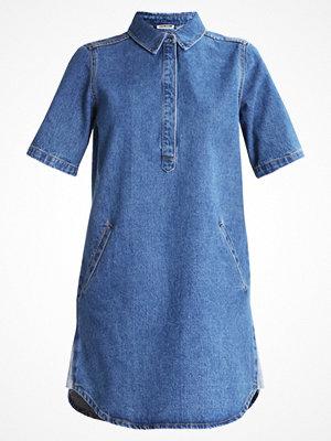 Noisy May NMBELL Jeansklänning medium blue denim