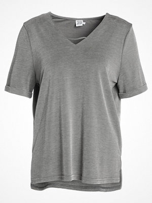 Saint Tropez Tshirt bas grey