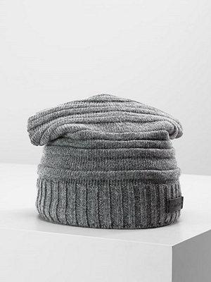 Calvin Klein BOMBED STRIPE HAT Mössa steel grey