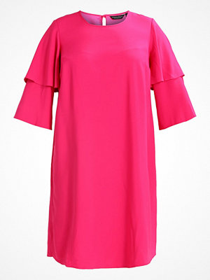 Dorothy Perkins Curve DOUBLE LAYER SLEEVE Cocktailklänning fuschia
