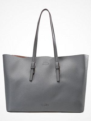 Calvin Klein grå shopper Shoppingväska steel grey