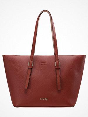 Calvin Klein omönstrad shopper Shoppingväska rot