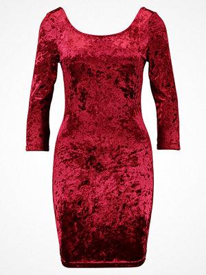 Even&Odd Fodralklänning red